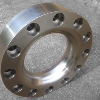 Hydraulic Pipe Flange for a Crushing Machine