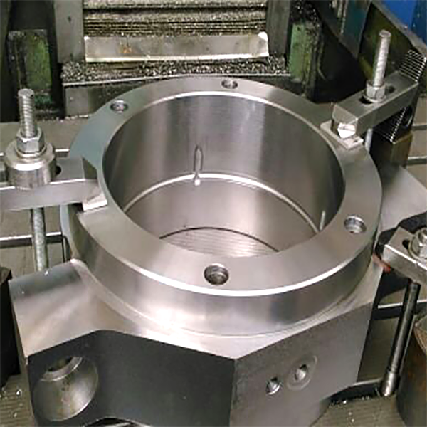 bearing housing for rolls in steel works